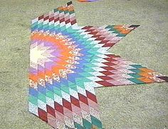 Which Angle to use?- star quilt instructions For 8 point stars, cut the diamonds at an angle of 45 degrees; cutting at an angle of 60 degrees will create 6 point stars. Lone Star Quilt Pattern, Star Quilt Blocks, Star Quilt Patterns, Quilting Tutorials, Quilting Projects, Quilting Designs, Lap Quilts, Scrappy Quilts, Star Blanket