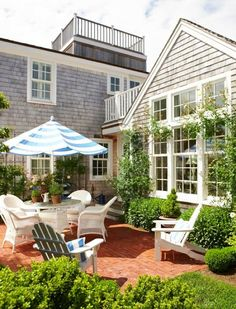 The most perfect New England beach house patio.