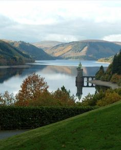 Views over the lake from the Lake Vyrnwy Hotel & Spa. Lake Vyrnwy Hotel, Villages In Uk, Wonderful Places, Beautiful Places, Simply Beautiful, Wales Holiday, Visit Wales, Wanderlust, Hotel Reservations