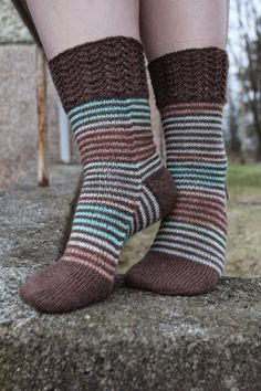 Knitted Slippers, Wool Socks, My Socks, Loom Knitting, Knitting Socks, Hand Knitting, Little Cotton Rabbits, Boot Toppers, Striped Tights