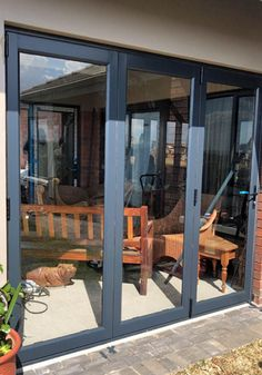 Would you like to extend your living area simply? Enclosing your patio with Glassflex® HBS Nuklip System will allow you to utilise your beautiful patio all year round. Having the flexibility of the NK Vista Fold system or the NK Galaxy slider system, these permit the opening of the doors and letting in fresh air and sun.