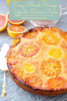 Easy Blood Orange Upside-Down Cake. This quick to make Easy Blood Orange Upside-Down Cake celebrates beauty of this fabulous citrus fruit. Mint Salad, Ginger Smoothie, Good Food, Yummy Food, Natural Yogurt, Margarita Recipes, Molecular Gastronomy, Blood Orange, Food Presentation