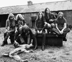 Lemmy 1973 mit seiner damaligen Kombo Hawkwind (2.v.r.): Von 1971 bis 1975 war Kilmister Bassist der britischen Hardrock-Band.