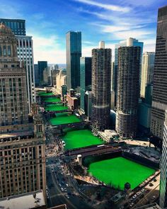 Every year we dye the river green in Chicago to celebrate St. Don patricks day history Every year we dye the river green in Chicago to celebrate St. Don't worry - dye is not toxic. Chicago Usa, Chicago City, Chicago Illinois, Chicago Green River, Chicago Riverwalk, Chicago Skyline, Places To Travel, Places To Visit, Chicago Photography