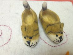 Mouse baby booties handmade children happy shoes by SaraMolano, $25.00