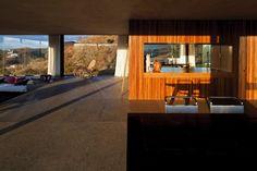 Casa em MG é integrada com paisagem por vidros e balanço de brinquedo - Casa e Decoração - UOL Mulher