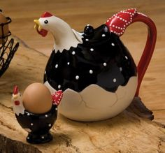 teapot Chocolate Pots, Chocolate Coffee, Teapots And Cups, Teacups, Teapots Unique, Rooster Decor, Chicken Art, Chickens And Roosters, Galo