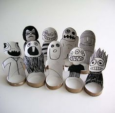 paperlunies: some other paper roll creatures - how cool would these be for imaginative play?