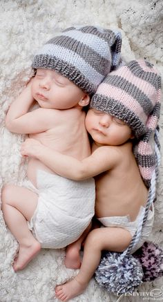 Infant twins baby girl baby boy brother sister with knit caps spooning hugging Precious newborn photography idea Toni Kami ~ Twin Baby Girls, Baby Boy, Twin Babies, Cute Babies, Baby Kids, Twin Photos, Baby Photos, Newborn Photos, Educational Baby Toys
