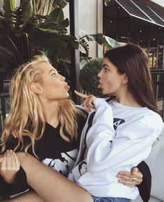 Lesbos fuckk nakal movil