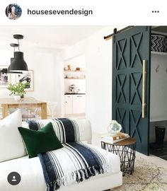 Love this Green barn door Benjamin Moore Salamander
