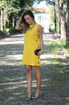 42 Ideas Sport Chic Feminino Vestido For Pin was discovered by ШамMake this on many plain colours Simple Dresses, Cute Dresses, Casual Dresses, Short Dresses, Fashion Dresses, Casual Outfits, Summer Dresses, Yellow Outfits, Yellow Dress