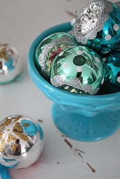 Pack em up & get ready for the next chapter Turquoise Christmas, Blue Christmas, Christmas And New Year, Christmas Holidays, Merry Christmas, Christmas Ideas, Vintage Christmas Ornaments, Christmas Decorations, New Years Eve Holidays