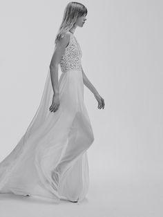 La première collection de robes de mariée d'Elie Saab Elie Saab Bridal http://www.vogue.fr/mariage/adresses/diaporama/la-premiere-collection-de-robes-de-mariee-delie-saab-elie-saab-bridal/30978#la-premiere-collection-de-robes-de-mariee-delie-saab-elie-saab-bridal-21