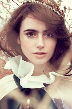 How to Get Perfect Power Brows Like Lily Collins