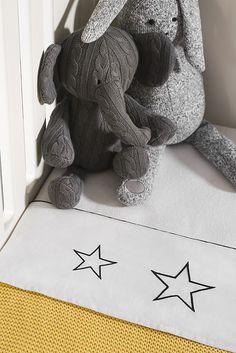 Sheet 'Starry night black' by Jollein | www.babyuitzetonline.nl
