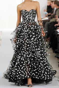 OSCAR DE LA RENTA Polka-dot tiered tulle gown