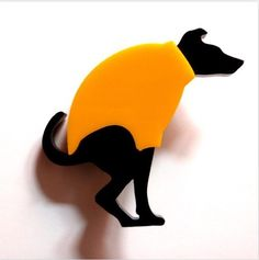 Pooping dog broche. When you want to make your outfit extra cute.