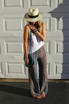Festival print pants and Panama hat. Simple summer outfit that will keep you cool. Detais at http://nomisniche.blogspot.com