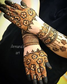My favorite 😍😍😍 These super stunning mehendi designs are soo awesome♡ tag the artist 😍😍 all the beautiful mehendii♥ artist 🎨🎭🙋 Check out thus awesom Wedding Henna Designs, Modern Henna Designs, Rose Mehndi Designs, Beginner Henna Designs, Latest Bridal Mehndi Designs, Legs Mehndi Design, Stylish Mehndi Designs, Mehndi Designs For Girls, Mehndi Design Photos