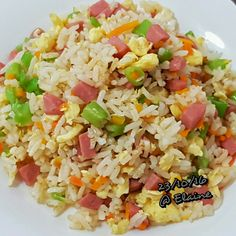 Fried rice . . . . . . #sgfood #sg #lunchtime #lunch #homecooked #homemade #hotdog #mincemeat #pork #frenchbeans  #eggs