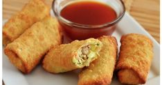 If your kids are tired of sandwiches, check out these Non Sandwich Lunch Ideas. 20 non sandwich lunch ideas for kids that even picky eaters will enjoy. Egg Roll Recipes, Lunch Recipes, Mexican Food Recipes, Cooking Recipes, Appetizer Recipes, Cold Lunch Ideas For Kids, Kids Lunch For School, School Lunches, Chicken Egg Rolls