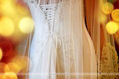 Abito da Sposa Romantico. I consigli per un look impeccabile   http://www.abitisposaroma.eu/abito-sposa-romantico-un-sogno-indossare/