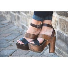 Love the black and brown combo makes these shoes so easy to wear with multiple color palettes