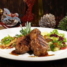 Steak z divočáka marinovaný v brusinkách Meat Recipes, Steak, Pork, Menu, Meat Food, Beef Recipes, Pork Roulade, Menu Board Design, Pigs