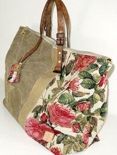 This Pin was discovered by nan Handmade Purses, Handmade Handbags, Sacs Tote Bags, Sacs Design, Carpet Bag, Boho Bags, Denim Bag, Fabric Bags, Beautiful Bags
