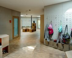 Image 13 of 37 from gallery of School for Curative Pedagogy HPT Biel / bauzeit architekten. Photograph by Yves André Learning Spaces, Learning Centers, Early Learning, Early Childhood Centre, Future School, Art Studios, Swiss Architecture, Gallery, Photograph