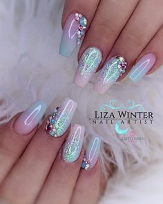 # uñas de sirena You are in the right place about nagel kunst zomer Here we offer you the most beautiful pictures about the nagel kunst you are looking for. When you examine the # uñas de sirena part of the picture you can get … Summer Acrylic Nails, Best Acrylic Nails, Glam Nails, Cute Nails, Fancy Nails, Nagellack Design, Mermaid Nails, Mermaid Mermaid, Mermaid Makeup