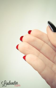 This would be an amazing way to keep summer colors on your nails, just put them under the nail!