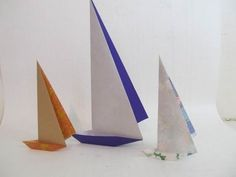Fold an Origami Paper Sailboat Origami And Quilling, Origami Paper Art, Origami Fish, Diy Paper, Paper Crafts, Diy Crafts, Origami Sailboat, Origami Boot, Origami Simple