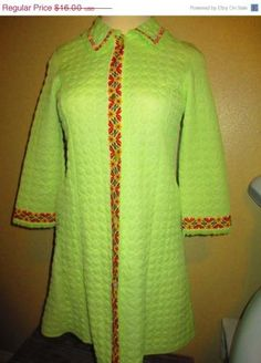 ON SALE Vanity Fair Robe House Coat Green Quilted Button Up Bathrobe 1960s Sz Lge[308] by Vintagelizzie for $12.80