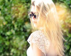 DIY lace sleeve tank top from Maegan Diy Lace Tank Top, Diy Lace Sleeves, Add Sleeves, Diy Clothes Accessories, Clothing Hacks, Diy Shirt, Diy Fashion, Fashion Beauty, Tank Tops