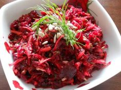 Das perfekte Rote-Beete-Karotten-Salat-Rezept mit Bild und einfacher Schritt-fü… The perfect beetroot and carrot salad recipe with picture and simple step-by-step instructions: The beetroot in salted water approx. Beetroot And Carrot Salad, Carrot Salad Recipes, Healthy Salad Recipes, Slow Cooking, Slow Food, Water Recipes, Detox Recipes, Free Recipes, Food Combining
