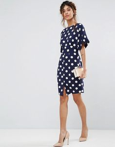 Buy Closet London Kimono Sleeve Midi Dress With Tie Back Detail And Split Front at ASOS. Get the latest trends with ASOS now. Spring Work Outfits, Simple Outfits, Midi Dress With Sleeves, Short Sleeve Dresses, Pretty Dresses, Dresses For Work, Day To Night Dresses, Moda Chic, Batik Dress