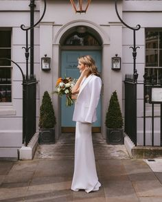 Lizzie looking lovely in front of the camera, with Nigel John sitting pretty behind it 📸 Creative Wedding Photography, London City, White Dress, Bride, Pretty, Collection, Dresses, Fashion, Wedding Bride