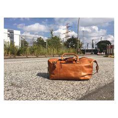 Unser Günther bietet genügend Platz für einen langen Wochenendausflug    http://ift.tt/2uOOXSF #stadthimmel #dienstag #tuesdays #hamburg #hh #september #urlaub #reisefieber #ausflug #fashionist #weekender #tasche #cognac #germanblogger #latesummer #fashionblogger_de #summervibes #blogger #travel #todays #deutschland #hallo #work #thisisus #hamburgahoi #leatherbag #diewocheaufinstagram #mensfashion #instafashion