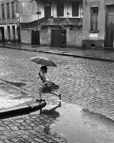 German Lorca. Girl in the rain, 1951