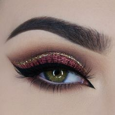 Love it! I'll probably have to move the gold glitter down to just above the black eyeliner to make it work with my hooded eyes, but it's just a gorgeous idea.
