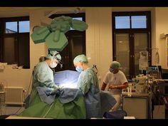 Plastiikkakirurgi Riikka Veltheim leikkaustiimeineen. #plasticsurgery #Finland