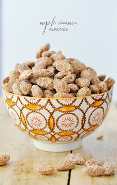 Maple Cinnamon Almonds Recipe. Your entire home will smell like warm cinnamon (SO good)