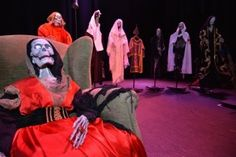 """Fabularia Teatro (Raúl Gómez y Trinidad Ossorio). """"El Señor de Bembibre 2.1."""", en el Teatro Bérgidum (Ponferrada, León) IMAGEN: Víctor Alón"""