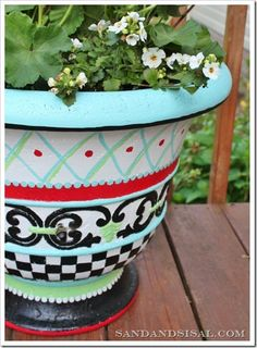 Whimsical Hand Painted Planter Tutorial - I love the Mackenzie Childs knock-off look. Garden Crafts, Garden Projects, Diy Projects, Diy Crafts, Painted Flower Pots, Painted Pots, Hand Painted, Flower Planters, Sisal