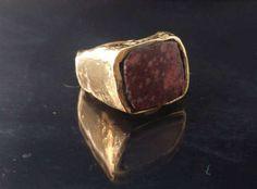 Guarda questo articolo nel mio negozio Etsy https://www.etsy.com/it/listing/505789892/bronze-ring-ancient-shape-ancient-marble