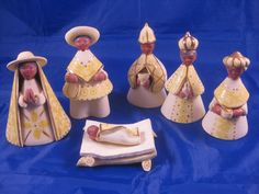 For sale is this unmarked, but very nice nativity set. 7 pieces This is a very nice set handcrafted and painted a beautiful yellow color with gold trim. Made of terracotta. Nativity Sets For Sale, Quilling Christmas, Terracota, Arte Popular, Holy Family, Christmas Nativity, Coloring Books, Folk Art, Find Ebay