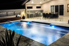 Great Tips For Landscaping Around A Hot Tub – Pool Landscape Ideas Indoor Pools, Small Backyard Pools, Backyard Pool Landscaping, Backyard Pool Designs, Swimming Pools Backyard, Swimming Pool Designs, Outdoor Pool, Geometric Pool, Florida Pool