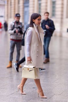 Find tips and tricks, amazing ideas for Miroslava duma. Discover and try out new things about Miroslava duma site Fashion Mode, Paris Fashion, Love Fashion, Womens Fashion, Fashion Trends, Net Fashion, Ethical Fashion, Street Fashion, Looks Street Style